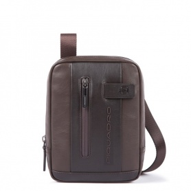 Piquadro Urban bag carries the CA3084UB00 / TM dark brown mini pads