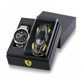 Scuderia Ferrari Speedmetal Uhr mit Stahlchronograph und Spielzeugauto