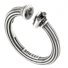 Colonna ring with Ellius capital in aged silver