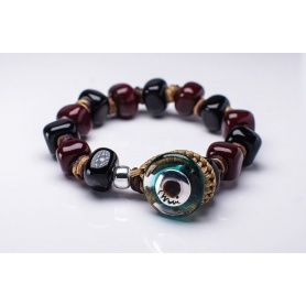 Moi Bonnie bracelet with unisex black and burgundy glass beads