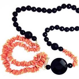 Lange Halskette Koralle und Onyx mit Gold-AV1060