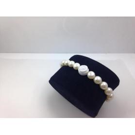 Elastic white pearls bracelet with white agate rose - B040G1A1