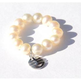 Anello Mimì perle bianche e charms Ogni bene in oro bianco - A023LB
