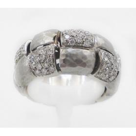 Anello fascia Vendorafa in oro bianco martellato e brillanti - KA2056-01