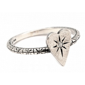 Eight small heart jewelry ring in silver with diamond ice