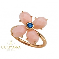 Mimì Bloom flower ring in gold with pink opal and blue sapphire