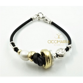 Aurora Misani bracelet with washer bead in gold and silver