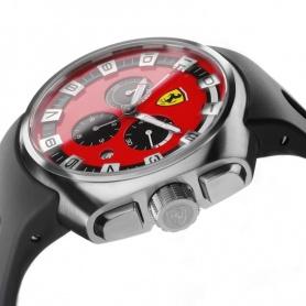 Ferrari F1 Podium Scuderia Uhr aus Stahl und Gummi