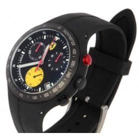 Scuderia Ferrari Pit Crew Uhr aus schwarzem Stahl und Gummi