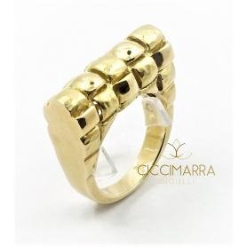 Anello Vendorafa con intreccio in oro giallo satinato e lucido.