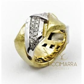 Vendorafa Ring, geflochtenes Band, in Gold und Diamanten.