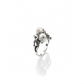 Giovanni Raspini ring South Seas small pearl and silver reef