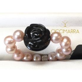 Anello Mimì elastica in perle lilla e rosellina nera